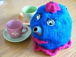 Teapot cosy lady