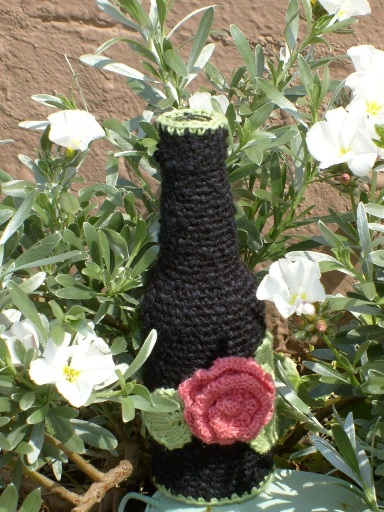 Knitted bottle cover